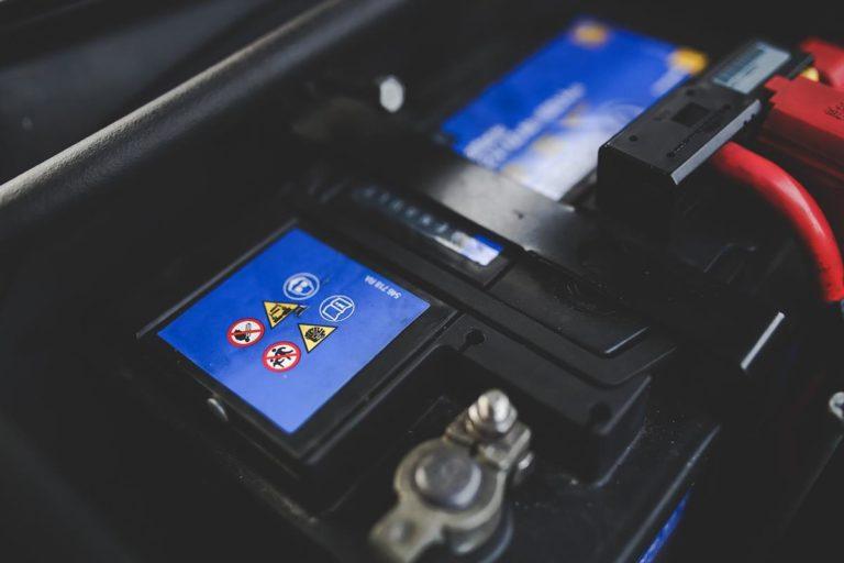 Jak działa akumulator w naszym aucie?
