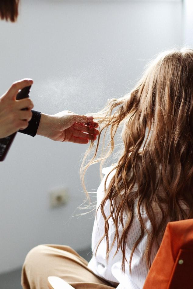 Do jakiego salonu fryzjerskiego najlepiej się udać?